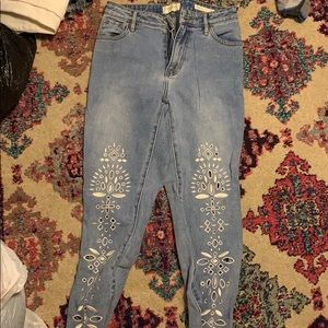 Pacsun embroidered mom jean